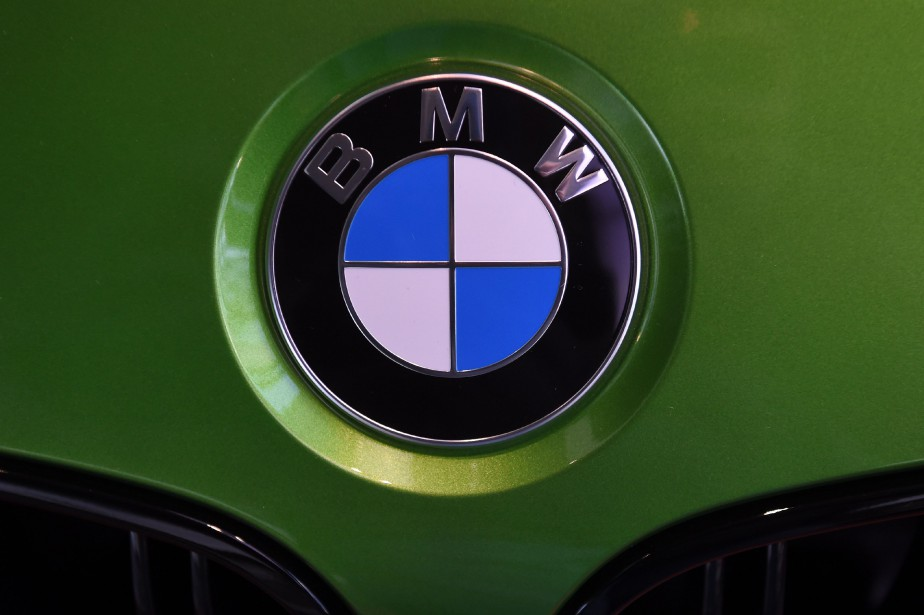 Le constructeur automobile allemand BMW... (Photo Christof Stache, archives AFP)