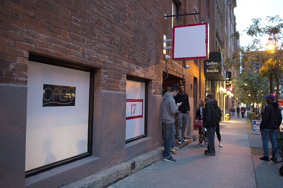Les magasins illégaux qui voulaient devenir légitimes avaient... (Photo Doug Ives, PC)