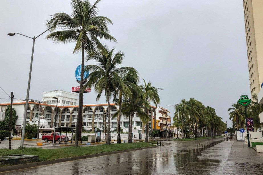 Les rues étaient désertes à Mazatlan à la... (PHOTO AFP)