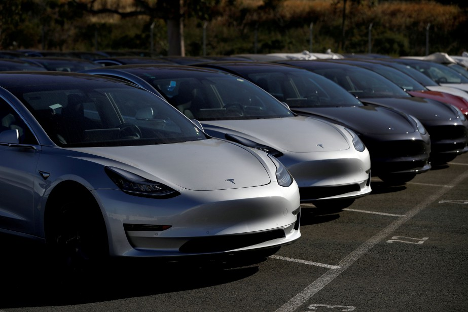 Le Model 3 est devenu la 5e voiture... (PHOTO REUTERS)