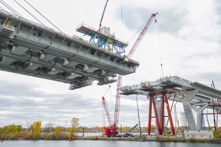 L'ouverture du nouveau pont Champlain à la circulation... (Photo David Boily, La Presse)