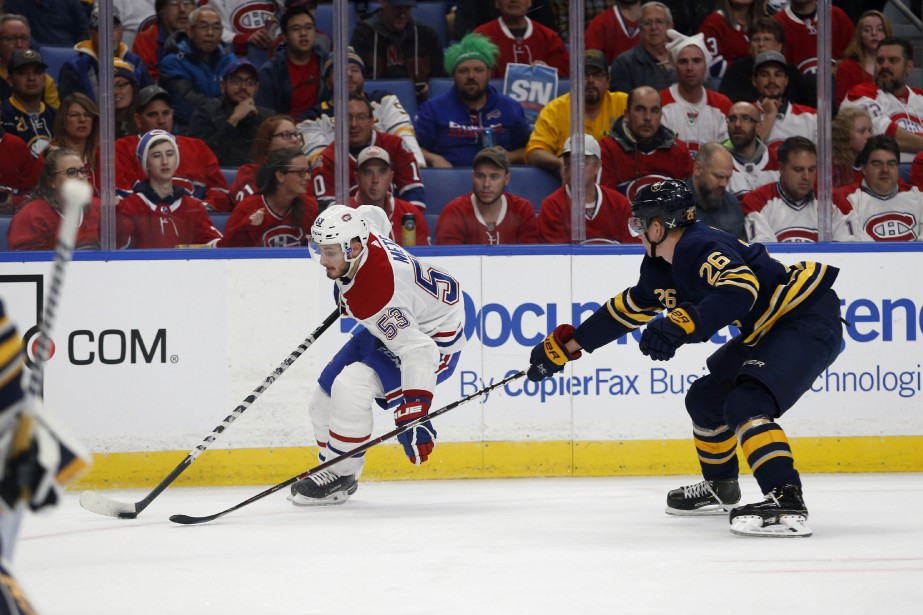 Victor Mete et Rasmus Dahlin.... (Photo Timothy T. Ludwing, USA TODAY Sports)
