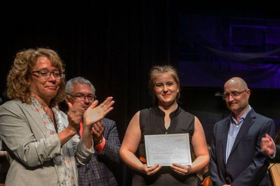 De gauche à droite: Denyse Thiffault, Jean-Marc Léveillé,... (Photo fournie par la Commission scolaire)
