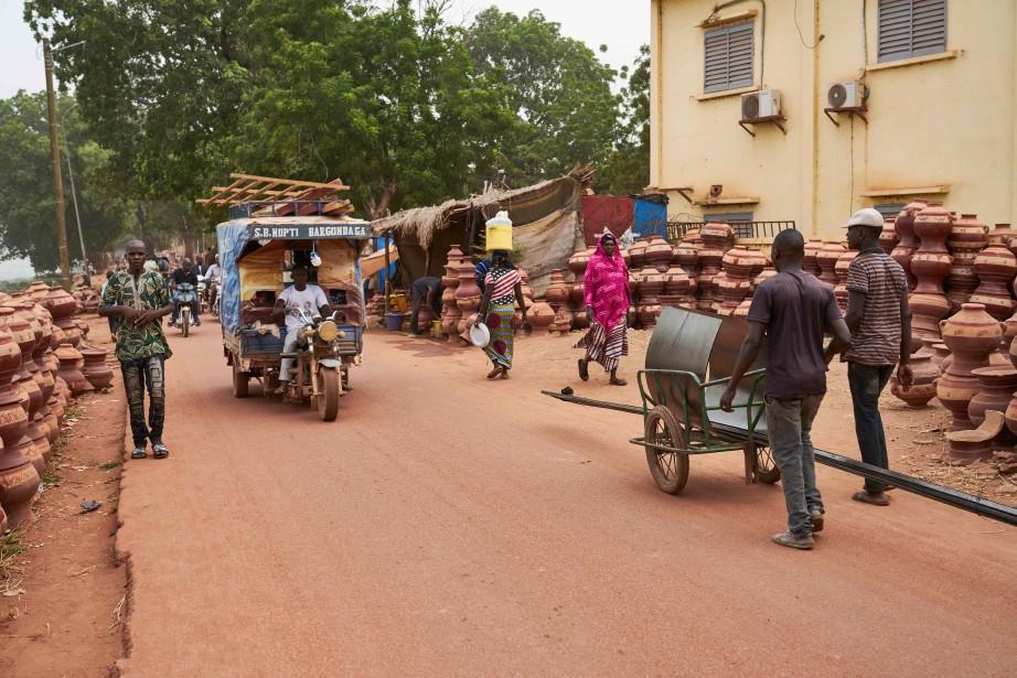 Mopti, une ville au centre du Mali... (Photo MICHELE CATTANI, archives AFP)