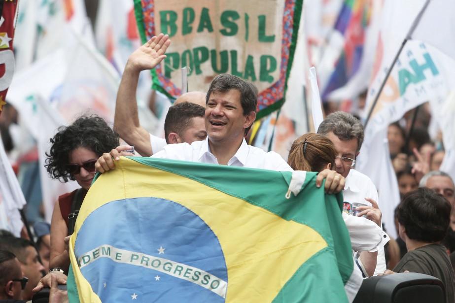 Le candidat de gauche au deuxième tour de... (Photo AMANDA PEROBELLI, REUTERS)