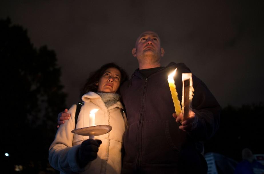 Une cérémonie à la mémoire des victimes de... (Photo ANDREW CABALLERO-REYNOLDS, Agence France-Presse)