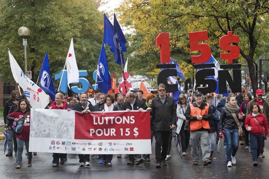 Une marche en faveur du salaire minimum à... (Photo Robert Skinner, archives La Presse)