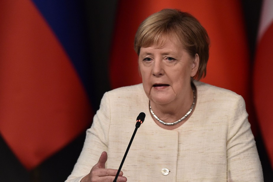 La popularité de la chancelière allemande, Angela Merkel,... (Photo OZAN KOSE, Agence France-Presse)