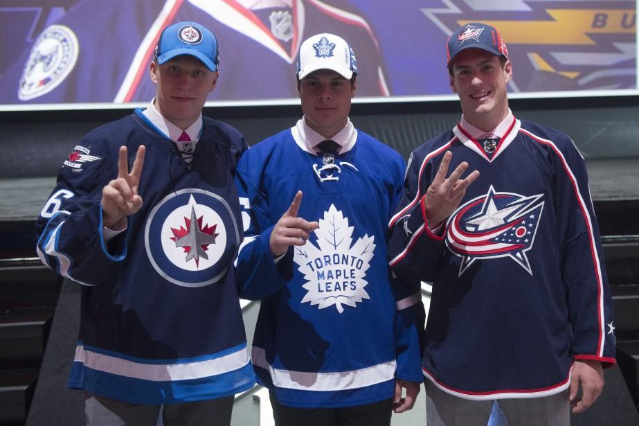 Les trois premiers joueurs sélectionnés au repêchage de... (Photo Nathan Denette, archives La Presse canadienne)