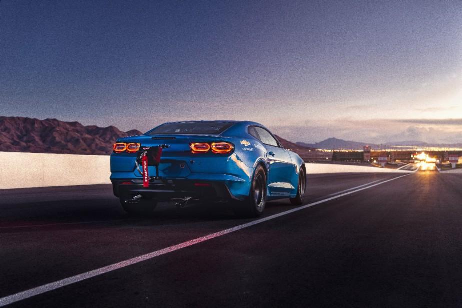 General Motors dit que l'eCOPO peut faire le quart de mille en environ 9 secondes; les essais ne sont pas encore terminés. ()