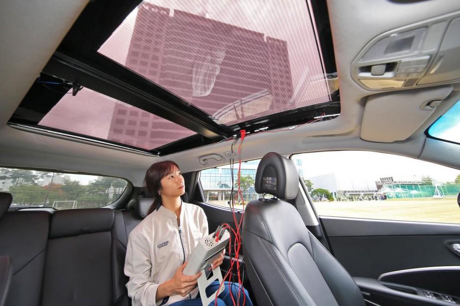 Hyundai prépare des systèmes de captation d'énergie solaire semi-transparents qui seront intégrés dans la partie vitrée des toits ouvrants panoramiques. (toutes les photos hyundai)