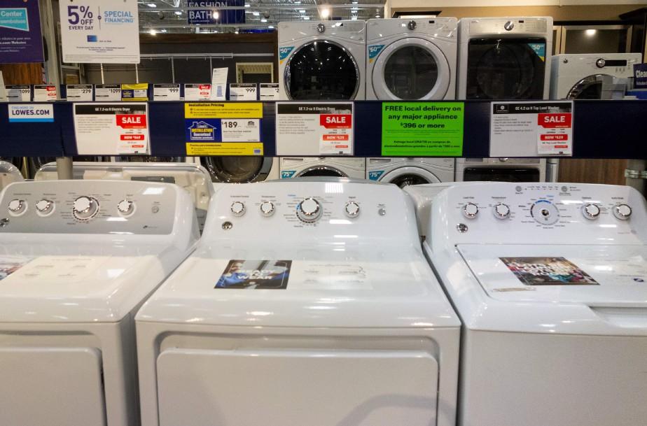 Des machines à laver et des sécheuses en... (Photo SAUL LOEB, archives Agence France-Presse)
