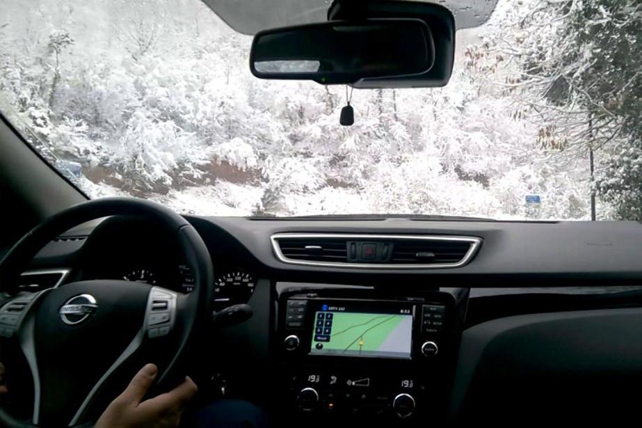 L'hiver, vu de l'intérieur d'un Qashqai.... (Photo saisie d'écran YouTube)
