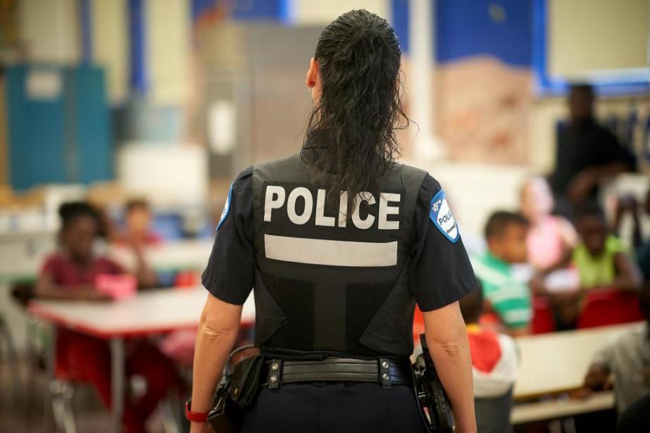 L'agente Stéphanie Morin est la policière attitrée à... (Photo André Pichette, La Presse)