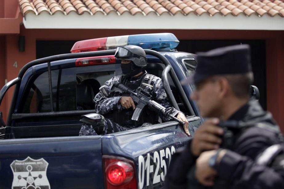 Au Salvador, les forces de police se sont... (Photo ARCHIVES REUTERS)