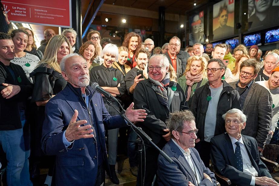 Plusieurs dizaines des personnalités signataires du «Pacte pour... (Photo André Pichette, La Presse)