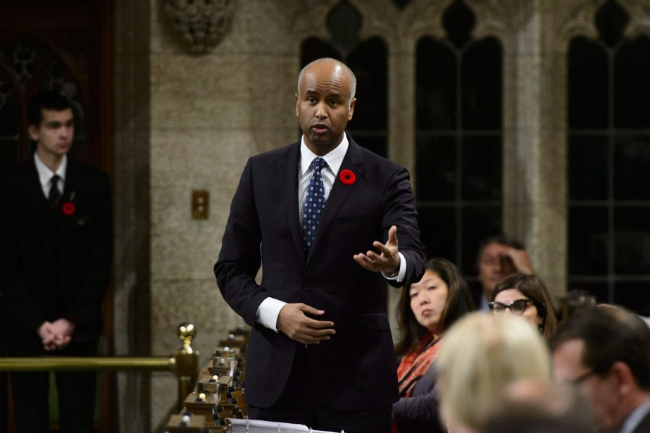 Le ministre fédéral de l'Immigration, Ahmed Hussen... (Photo Sean Kilpatrick, LA PRESSE CANADIENNE)