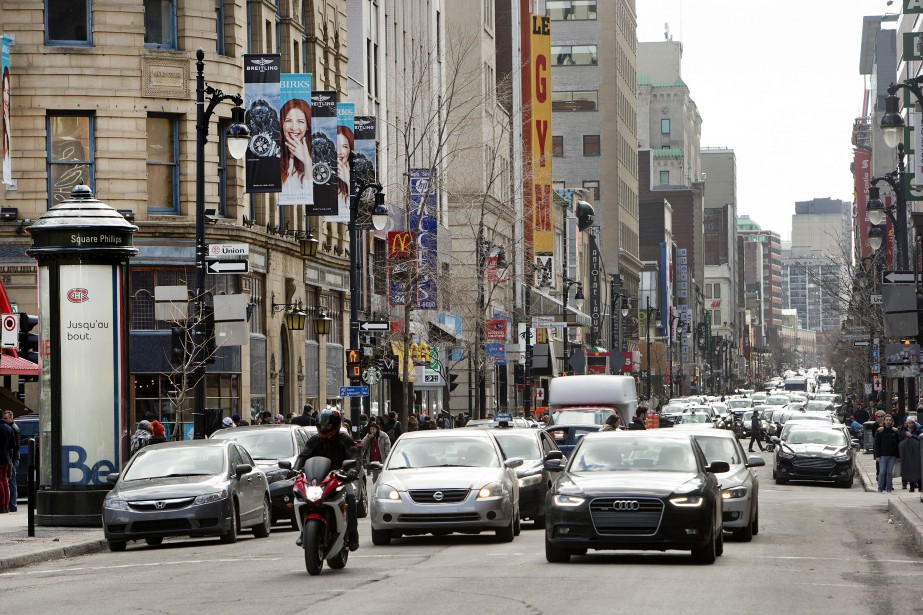La rue Sainte-Catherine.... (Photo Robert Skinner, archives La Presse)