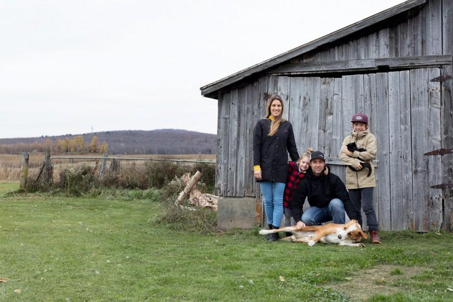 Amélie Roberge, Hans Drouin et leurs enfants sont... (Photo Sébastien Gerphagnon, fournie par Hans Drouin)