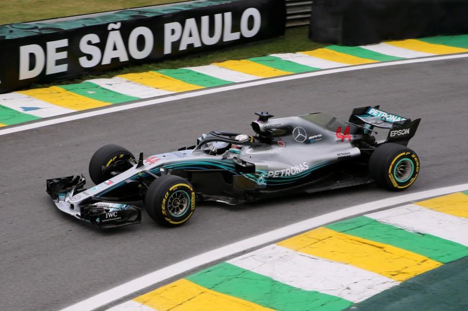 La Mercedes-Benz de Lewis Hamilton a un rendement... (Photo PAULO WHITAKER, REUTERS)