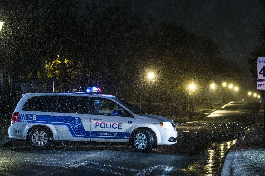 PHOTO OLIVIER PONTBRIAND, LA PRESSE... (Les événements ont entraîné le déploiement d'une «importante» opération policière, qui a impliqué le groupe tactique d'intervention du SPVM.)
