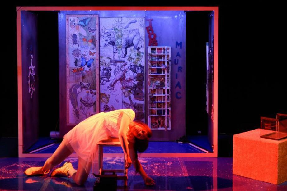 SarahLaurendeau incarne Bérénice dans l'adaptation théâtrale de L'avalée... (Photo YvesRenaud, fournie par le TNM)
