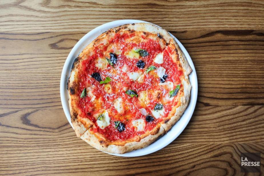 La pizza Rita, cuite au four napolitain de... (PHOTO EDOUARD PLANTE-FRÉCHETTE, LA PRESSE)