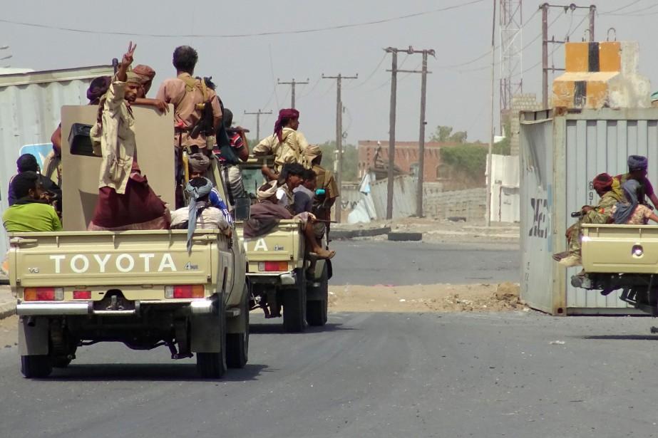 Des forces progouvernementales à Hodeida.... (Photo STRINGER, AFP)