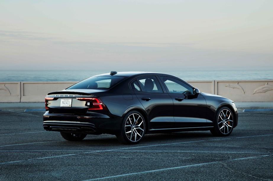 En renouvelant la S60, Volvo termine le rajeunissement de sa... | 2018-11-15 00:00:00.000
