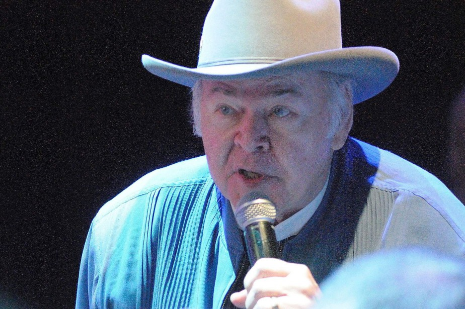 Le chanteur country Roy Clark, virtuose de la... (Photo BETH GWINN, archives AFP)