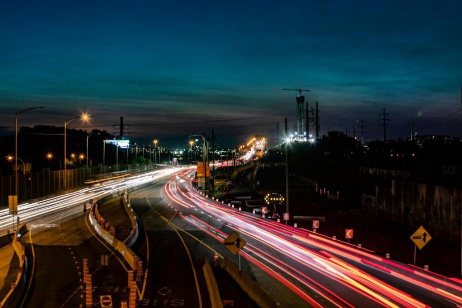L'autoroute10 en direction du pont Champlain sera complètement... (Photo MartinChamberland, Archives La Presse)