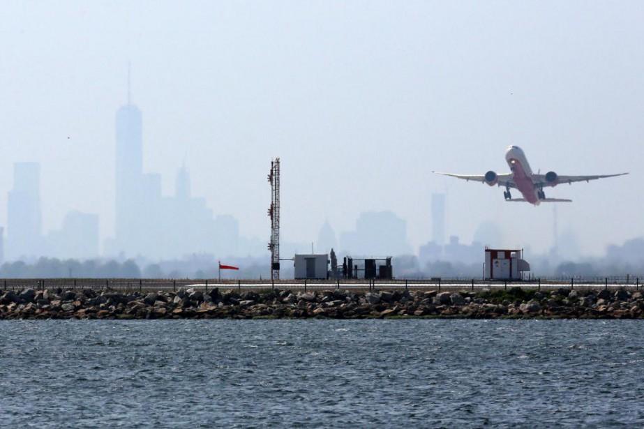 Depuis le 24 octobre, les passagers de l'aéroport... (Photo Trevor Collens, archives Agence France-Presse)