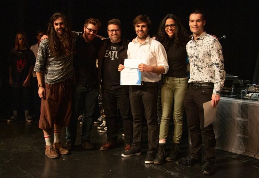 L'organisateur du concours, William Plamondon, et les gagnants... (Photo Michel Plamondon, fournie par Québec en scène)