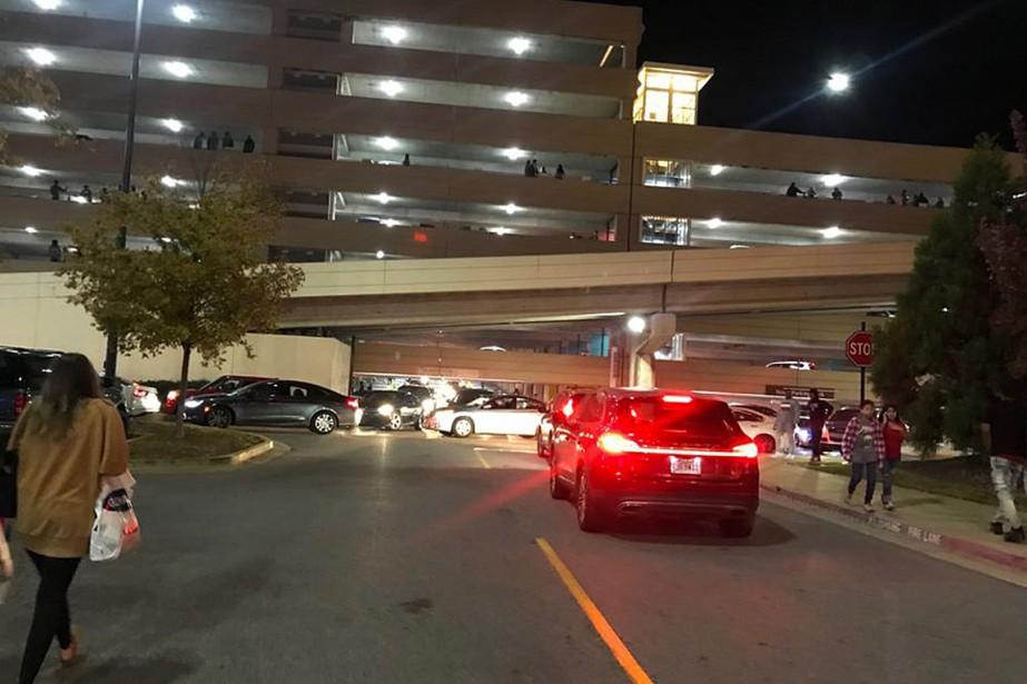 Une fusillade est survenue au centre commercial Riverchase... (Photo Carol Robinson, Associated Press)