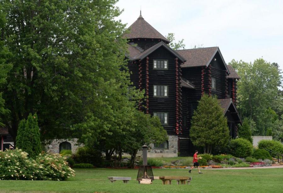 Le Château Montebello... (PhotoSean Kilpatrick, Archives La Presse canadienne)