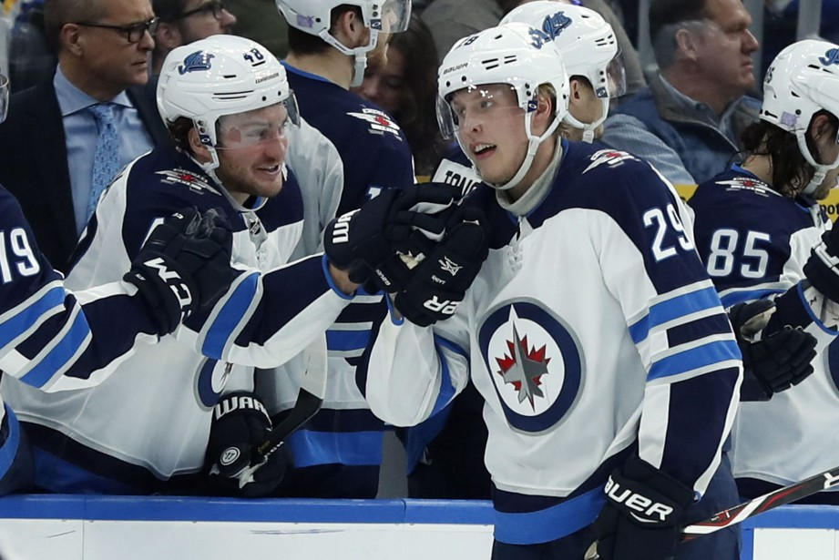 Patrik Laine (29) a marqué pas moins de... (Photo Jeff Roberson, Associated Press)