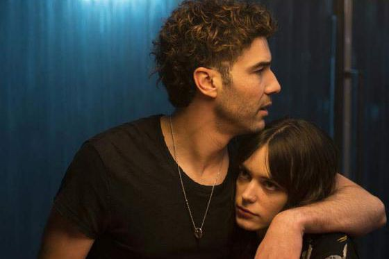 Tahar Rahim et Stacy Martin dans Joueurs... (Photo fournie par Axia Films)