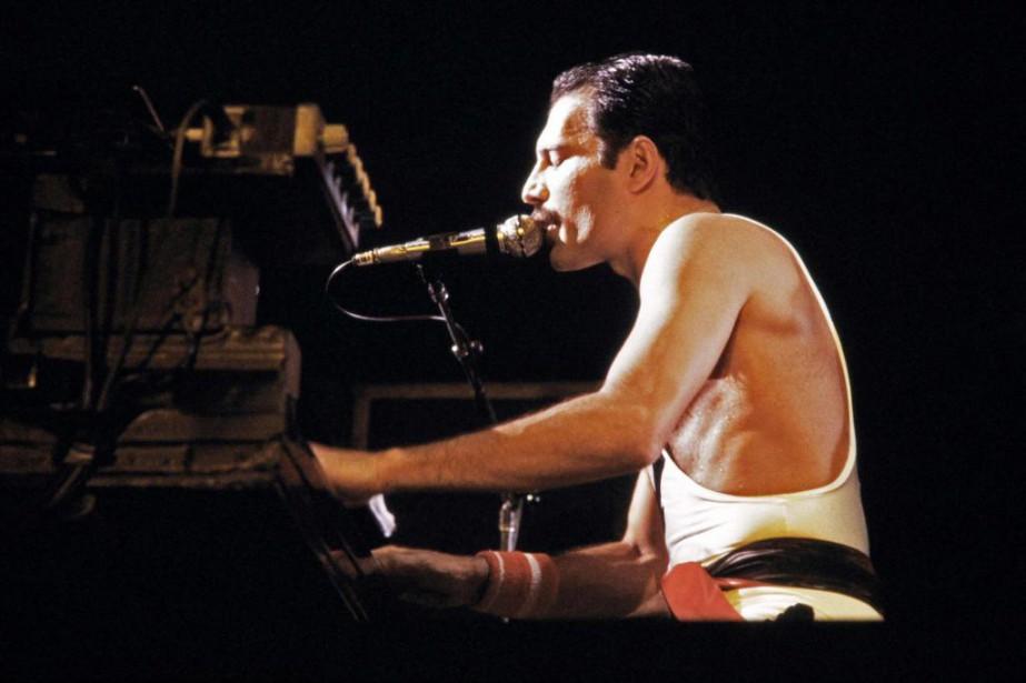 Atteint du sida, le chanteur de QueenFreddie Mercury... (PHOTO JEAN-CLAUDE COUTAUSSE, ARCHIVES AGENCE FRANCE-PRESSE)