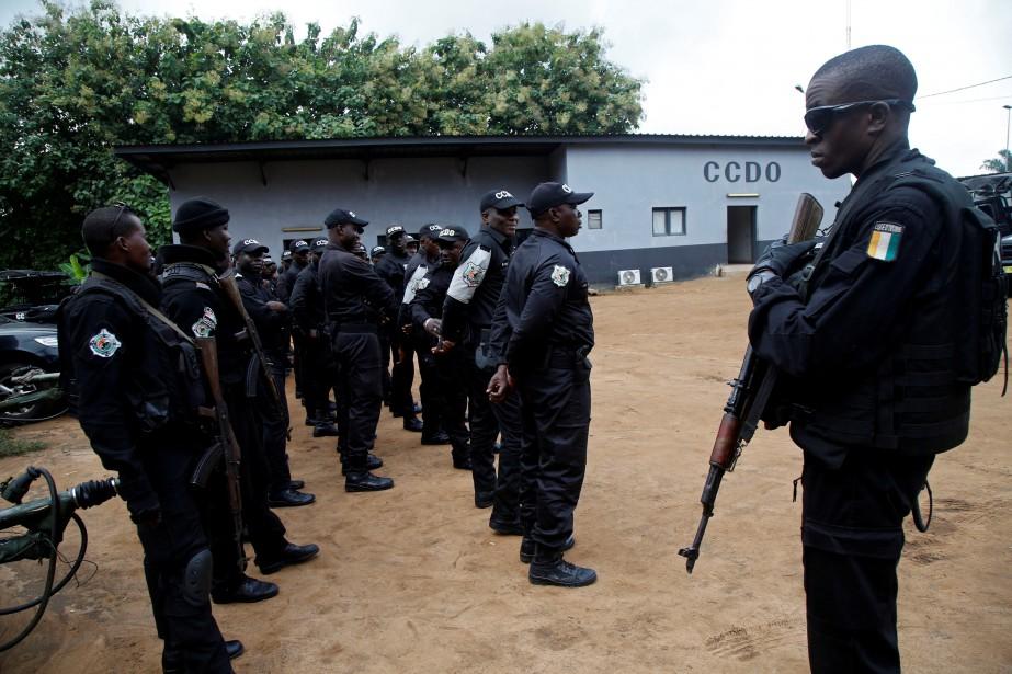 Dix personnes ont été blessées dans des... (Photo LUC GNAGO, REUTERS)