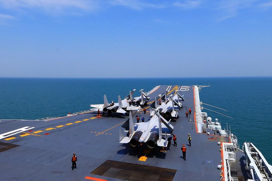 «L'US Navy continuera à voler, à naviguer et... (PHOTO AFP)
