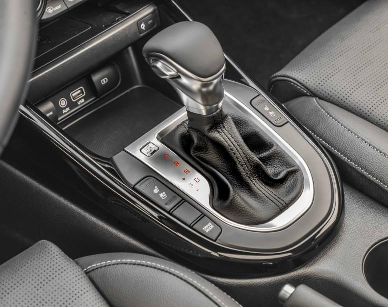 Pour améliorer encore davantage les économies à la pompe, Kia propose une boîte de vitesse à variation continue (CVT) qui rend le tandem moteur-boîte indolent à bas régime et bruyant lorsqu'on le sollicite. Au moins, on évite de passer trop souvent à la pompe. | 29 novembre 2018