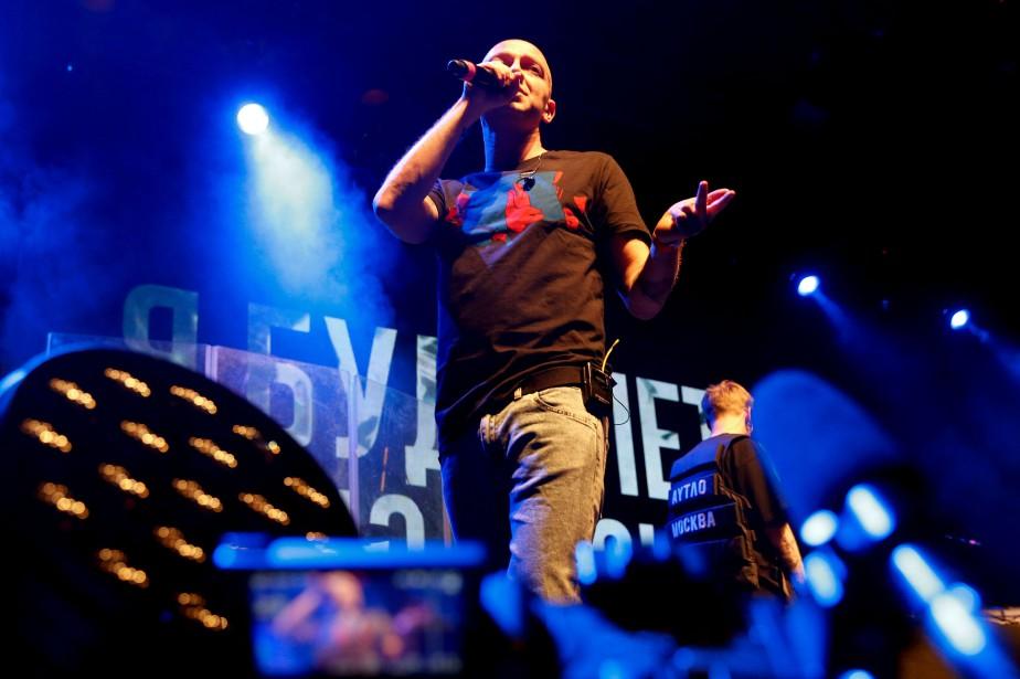 Oxxxymiron (notre photo), Basta et Noize MC-des stars... (Photo MAXIM ZMEYEV, AFP)