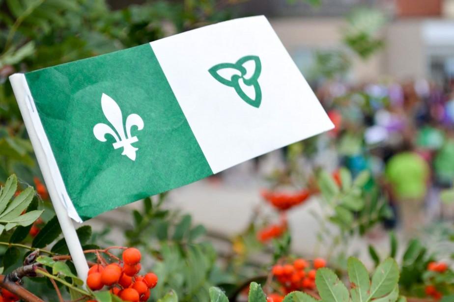 Le drapeau franco-ontarien... (Photo archives La Presse)