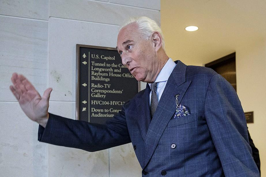 Roger Stone et l'un de ses contacts, le... (Photo J. Scott Applewhite, archives Associated Press)