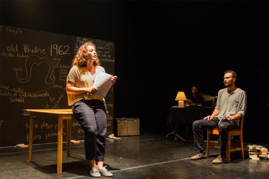 Rose-Anne Déry (à gauche) dans Je ne te... (Photo Jules Bédard pour la Cie Tableau noir)