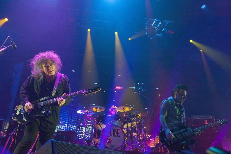 Les groupes britanniques The Cure (notre photo) et... (Photo JULIO CESAR AGUILAR, archives AFP)