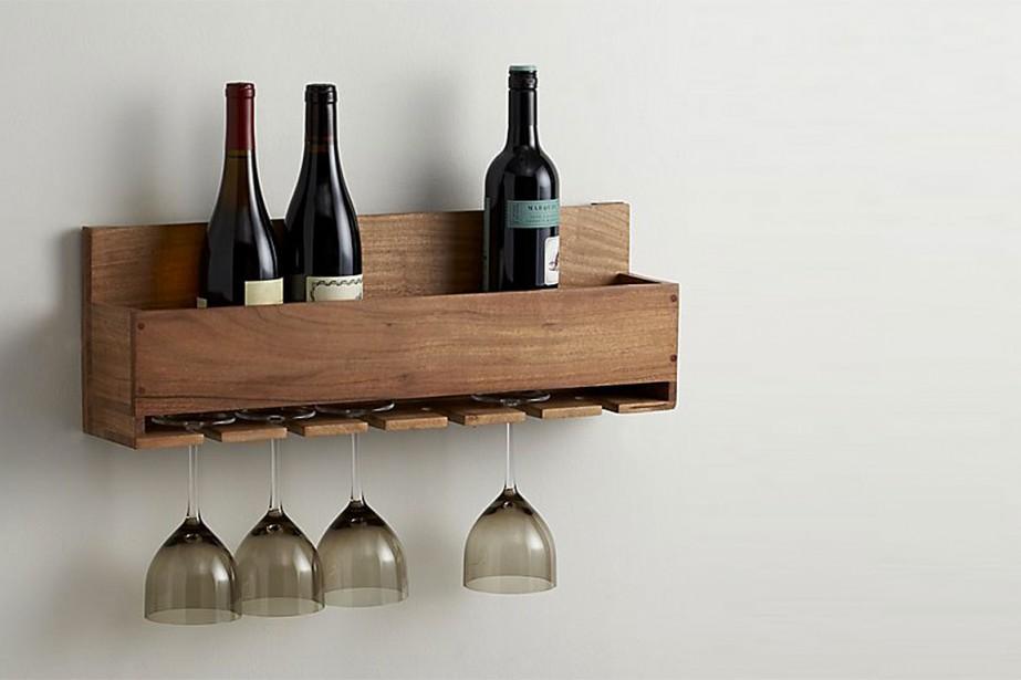Meuble à vin mural, de Crate and Barrel... (Photo tirée du site web Crate and Barrel)