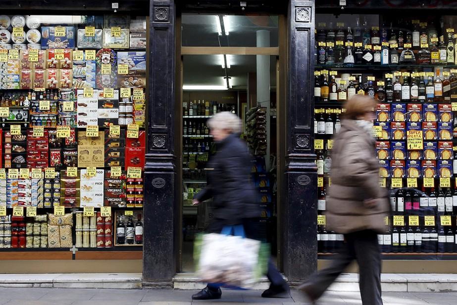 Scène de rue à Barcelone, en Espagne.... (Photo Albert Gea, archives REUTERS)