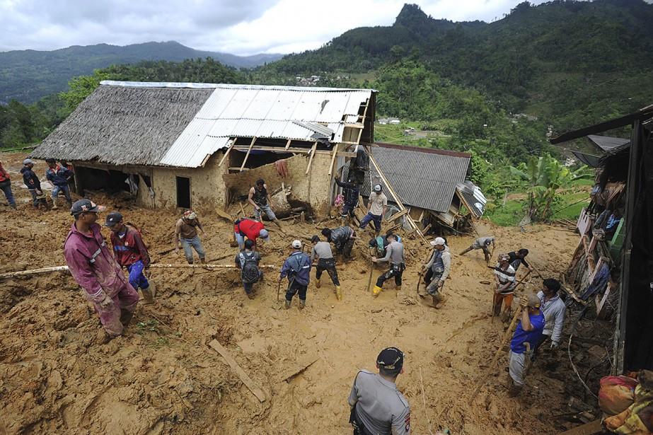Les glissements de terrain sont fréquents en Indonésie,... (AP)