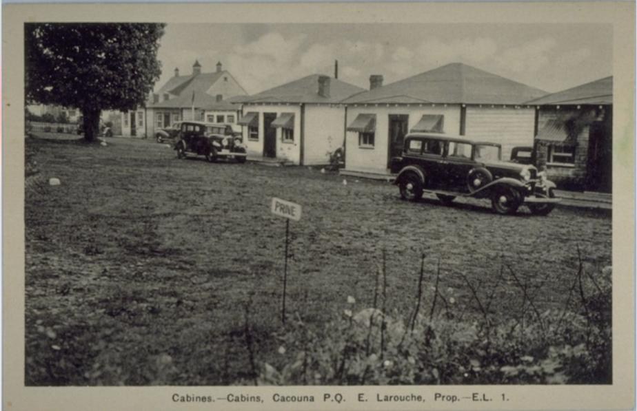 Les cabines, ancêtres des motels, ont commencé à pulluler au gré des routes du Québec quand les automobilistes se sont multipliés. Ici, on voit des cabines à Cacouna. (Image fournie par BAnQ)